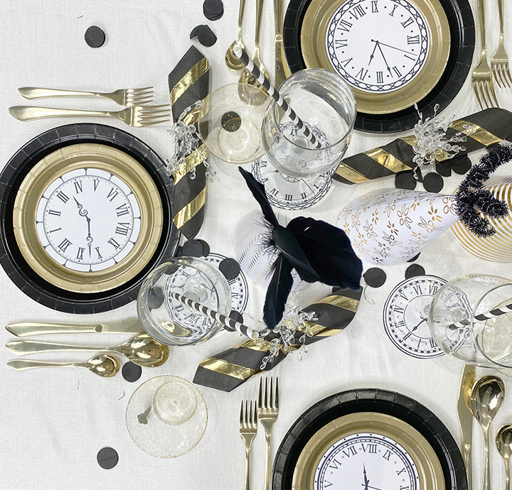 HOW TO ELEVATE A NEW YEARS EVE TABLESCAPE WITH DISPOSABLE DECOR