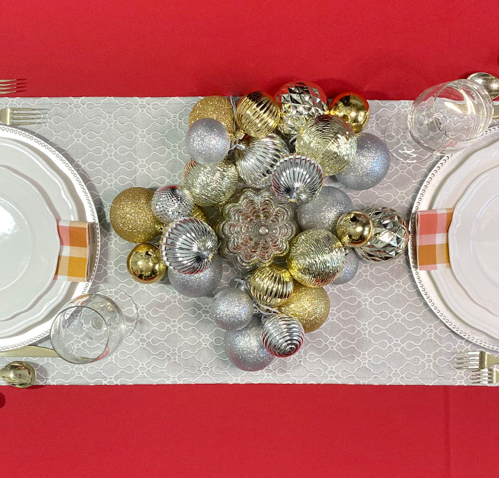INTIMATE CHRISTMAS TABLE FOR 2 USING DIY ORNAMENT CLUSTERS