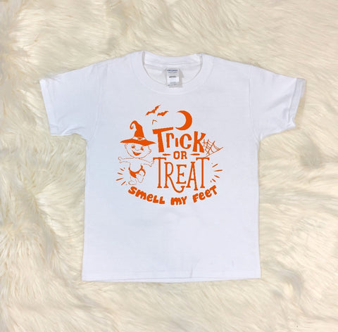 Youth T-Shirt - Trick Or Treat Smell My Feet - thegiftkornershop