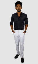 Load image into Gallery viewer, Men White Linen Regular Fit Chinos
