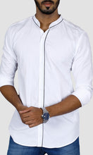 Load image into Gallery viewer, Men Solid Piping Cotton Slim Fit Casual Shirts