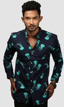 Load image into Gallery viewer, Men Dark Blue Jelly Fish Printed Casual Shirts