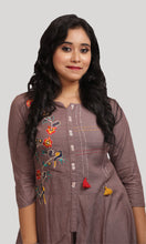 Load image into Gallery viewer, Women Shaded Purple Kurti With Palazzos Set
