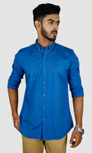 Load image into Gallery viewer, Men Solid Slim Fit Casual Shirts
