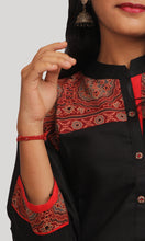 Load image into Gallery viewer, Black Kalamkari Printed Dailywear Kurti