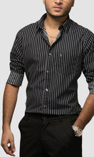 Load image into Gallery viewer, Men Black with White Striped Cotton Casual Shirts