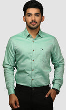 Load image into Gallery viewer, Men Green Cotton Slim Fit Casual Shirts