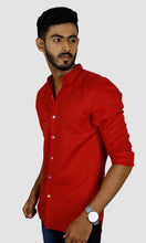 Load image into Gallery viewer, Men Maroon Solid Slim Fit Casual Shirts