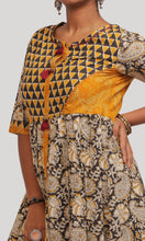 Load image into Gallery viewer, Yellow and black kalakari dothi Kurti Set