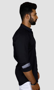 Men Black Solid Slim Fit Casual Shirts