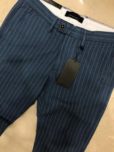 Load image into Gallery viewer, Men Stripe And Check Chinos