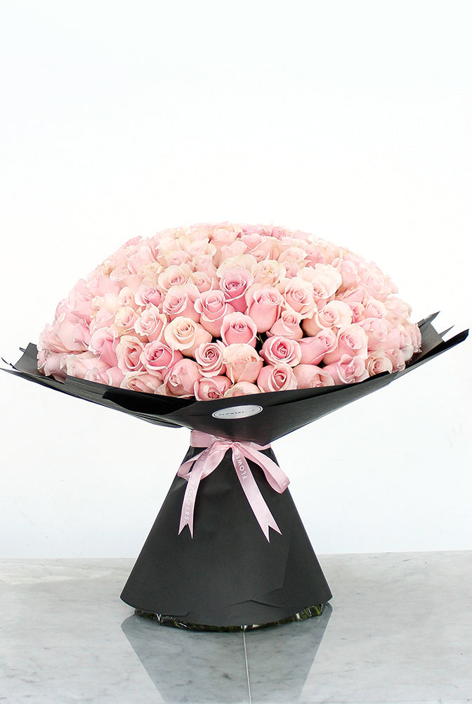 200 Long Stem Pink Roses Hand-tied