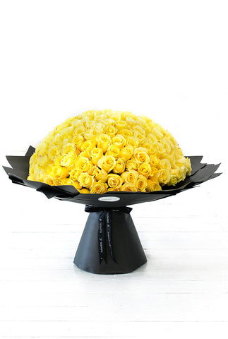 200 Long Stem Yellow Roses Hand-tied