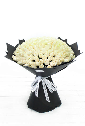200 Long Stem White Roses Hand-tied