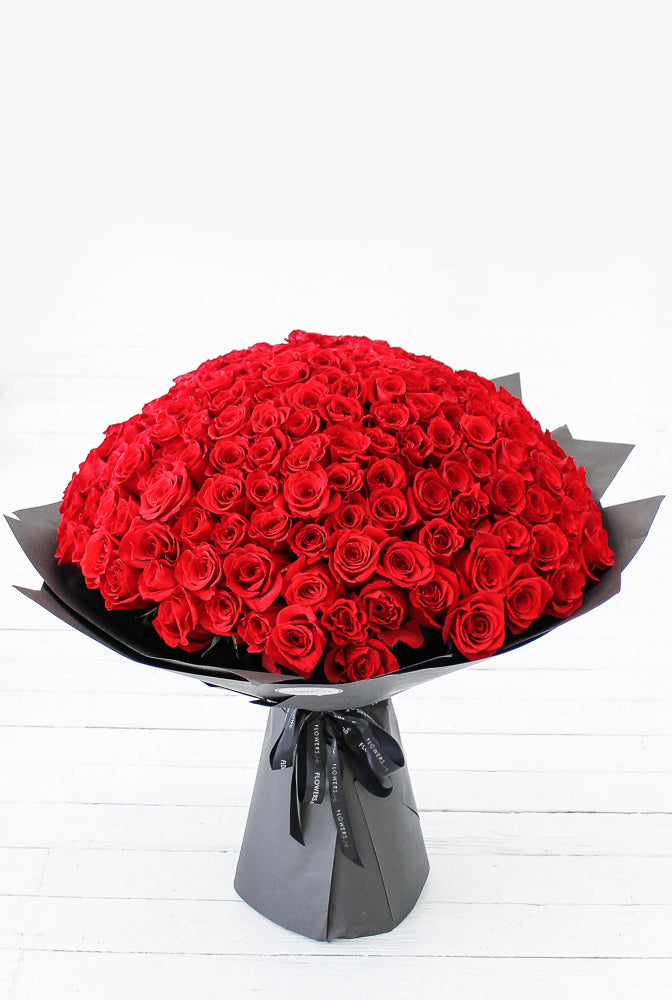 365 Long Stem Red Roses Hand-tied