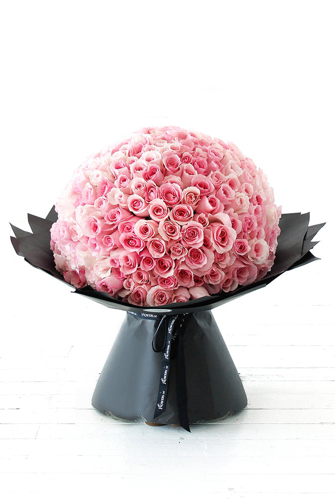 365 Long Stem Pink Roses Hand-tied
