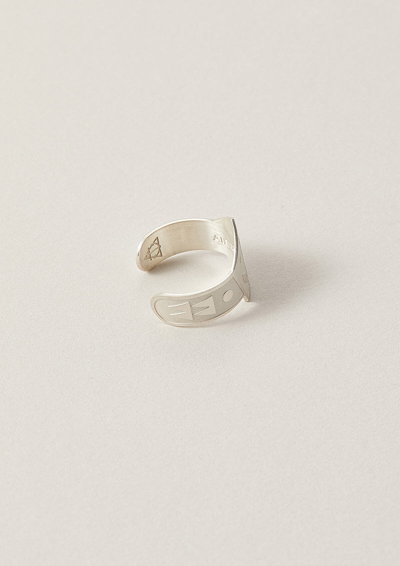 Air and Anchor Anchor Cigar Ring in Sterling Silver with triangular details on the side of the cigar band.