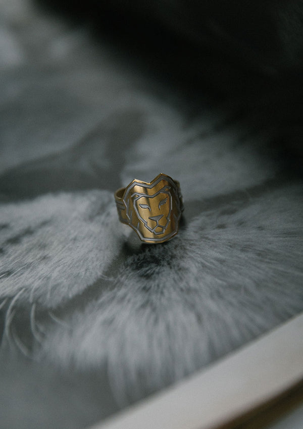 Lion Cigar Ring in Sterling Silver