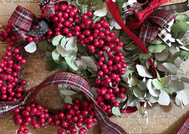 Christmas Wreath Bow Tying Tutorial