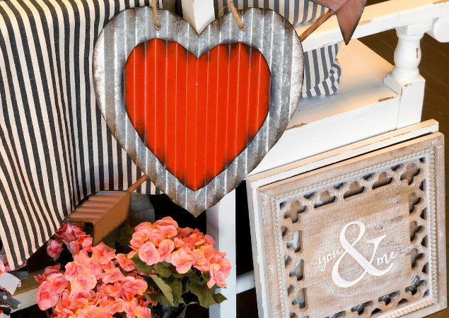 Decorating Tips For The Day Of Love (Feb. 14th)