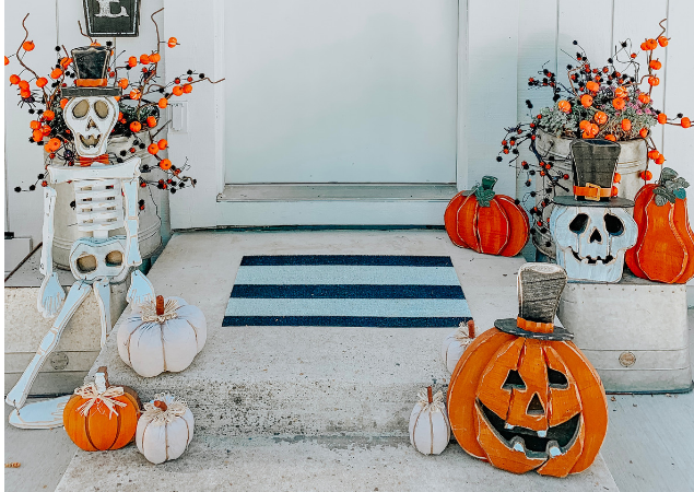 Decorating The Front Porch For Halloween