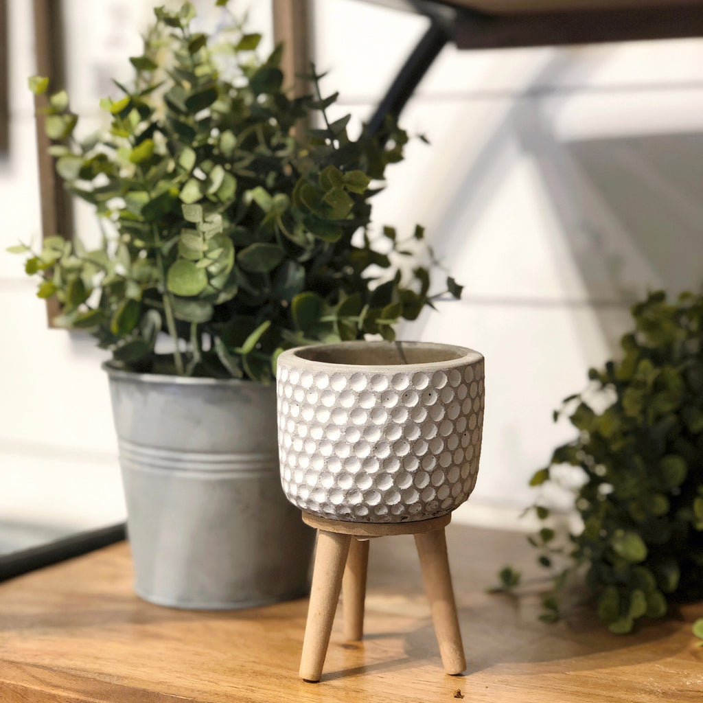"CEMENT POT 4.5"" DOTS"