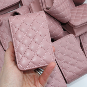 Load image into Gallery viewer, Blush Quilted Leather Roller Bottle Case