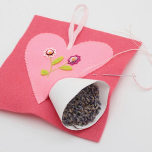 Kit-Wool Felt Heart Sachet