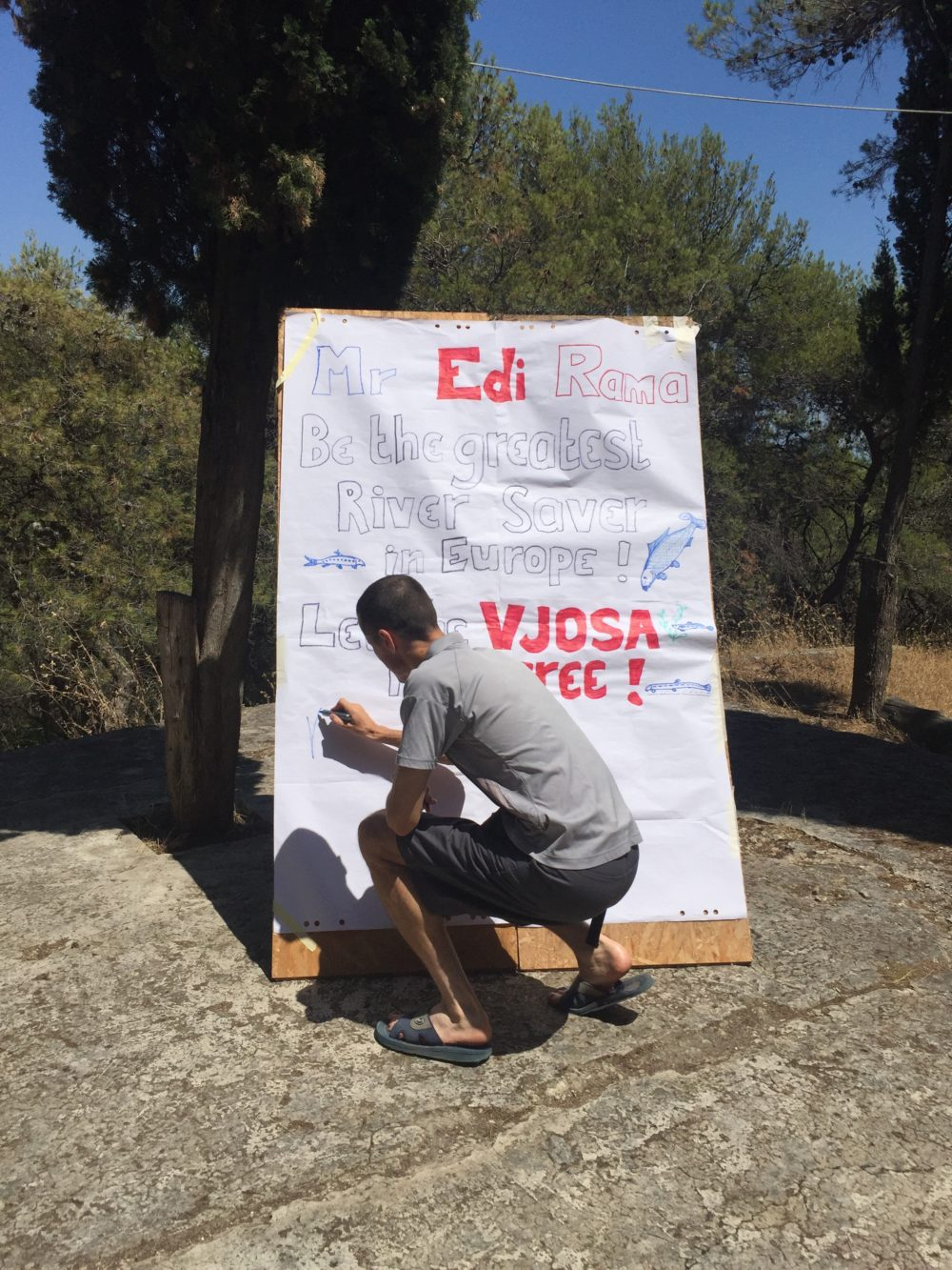 OAA organized a solidarity action in Solta, Croatia to save Vjosa river, where participants  from the Western Balkan region signed a petition for the prime minster of Albania, Edi Rama.