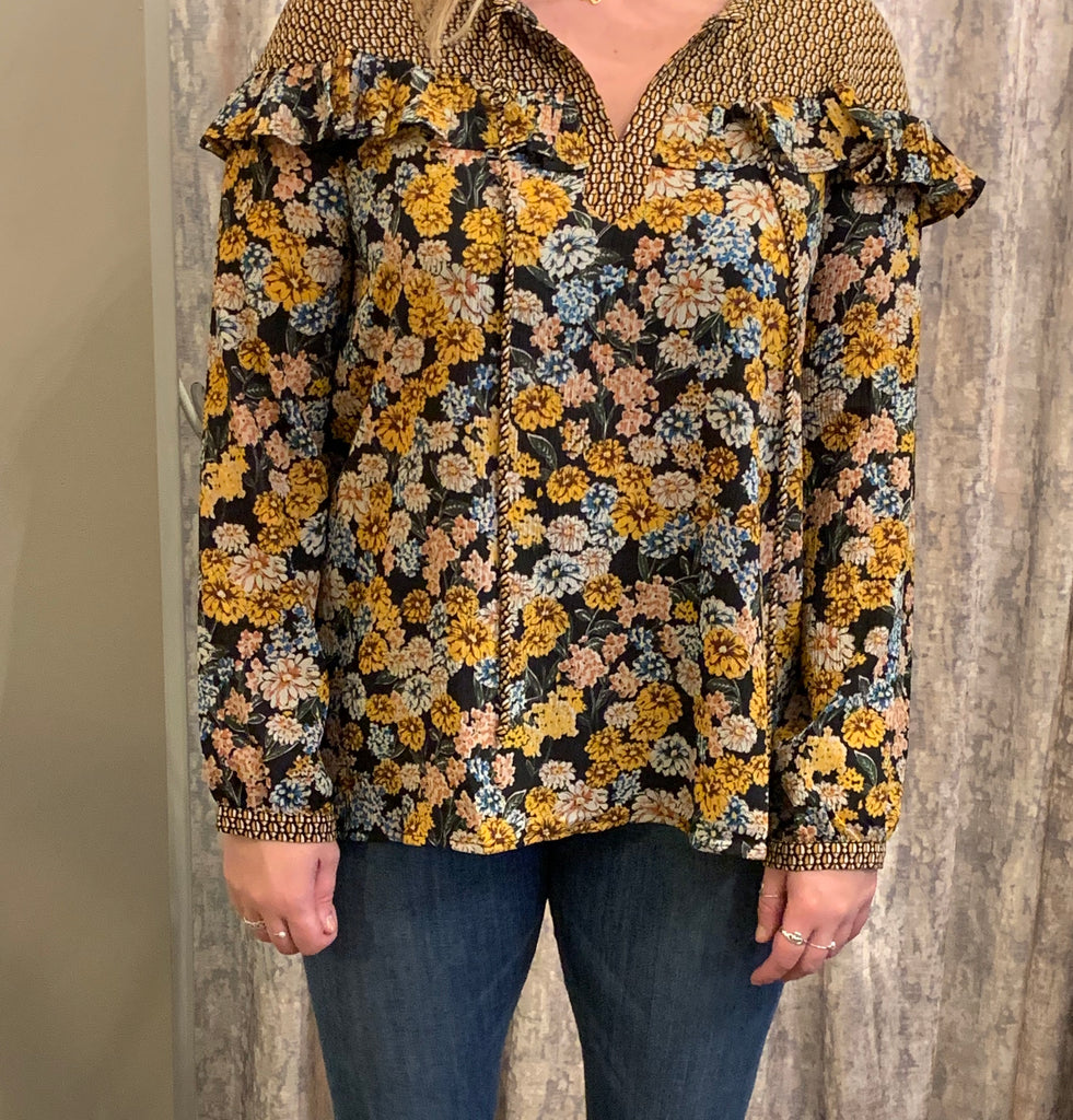 Flower Blouse W/ Ruffles At The Top
