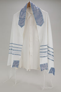 REFRESHING OFF-WHITE AND BLUE VISCOSE TALLIT