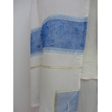 Load image into Gallery viewer, Blue strips silk Tallit for women
