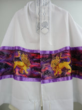 Load image into Gallery viewer, Hand painted Lion of Judah Tallit, Men's Tallit, Hebrew Prayer Shawl, Bar Mitzvah Tallit