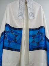 Load image into Gallery viewer, Star of David Tallit
