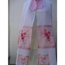 Load image into Gallery viewer, Pink Floral Embroidered feminine Tallit for women