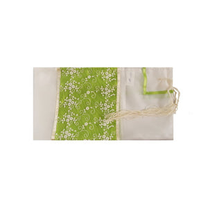 Meadow White Flowers Tallit for women, Bat Mitzvah Tallit, Girl's Tallit, Women's Tallit flat 2