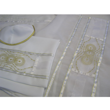 Load image into Gallery viewer, Gold Circles Tallit for women