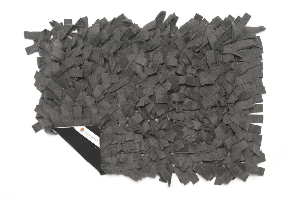 Meadow Dog Bed / Charcoal - Wildebeest