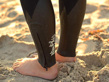 Load image into Gallery viewer, Women's Nineplus 4/3mm Wetsuit