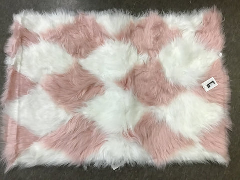 Joan Scott Faux Fur Rug 23.6 x 35.4