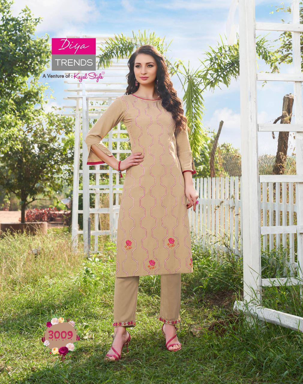 Beautiful designer kurti with pants