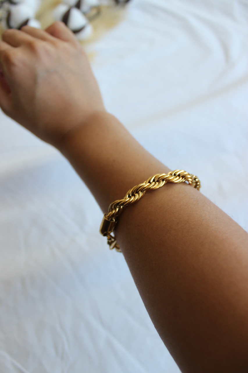 Twisted Bracelet - Gold
