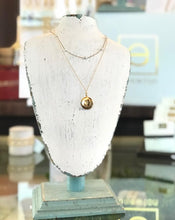 "Load image into Gallery viewer, eNewton - 15"" Choker Simplicity Chain Gold : 4mm Pearl"