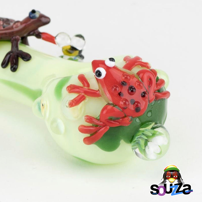 Empire Glassworks Ribbit Frog Hand Pipe Close up of frog on the bowl head