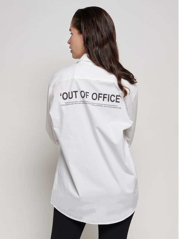 Ethical produced white collared shirt with 'OUT OF OFFICE' print on the front and back. This shirt has a unisex cut. For a looser fit around the hips and shoulders, one size above your usual is recommended. It was locally designed in Luxembourg, the screen print was made in Germany and the shirt was proudly produced in Bangladesh with FairWear certification. The production of this item has been OEKO-TEX certified by OEKO-TEX.