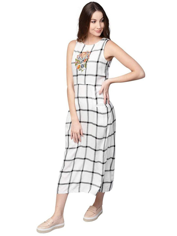 Women White Checked A-Line Handloom Dress