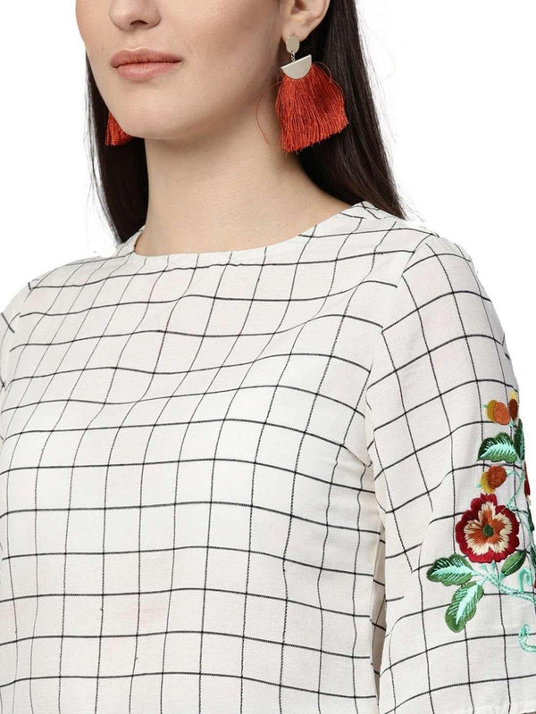Women Off White Green Geometric Straight Cotton Dobby Top With Skirt