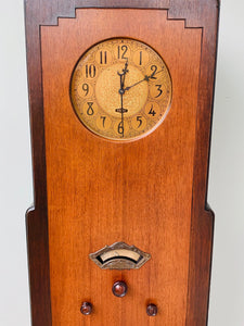 PUBLIX Grandmother Skyscraper Clock Wood Radio