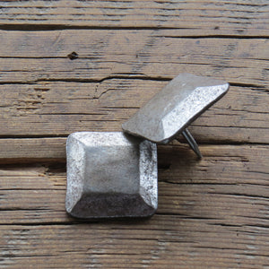 "1 1/4"" Square Plateau Hammered Head Nail"