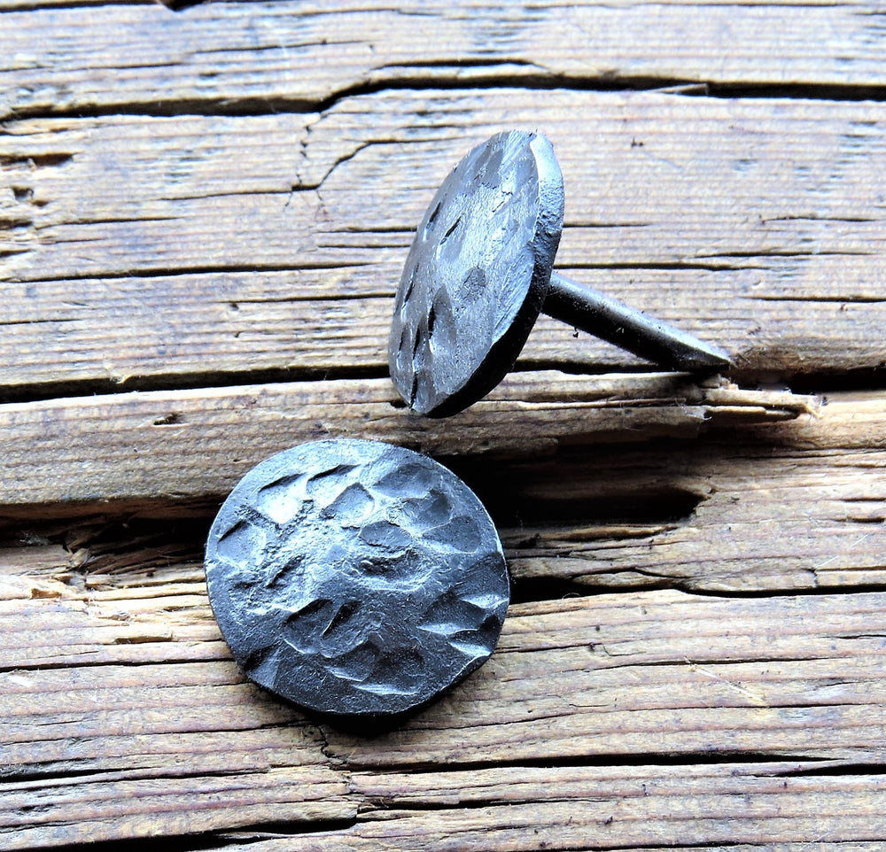 "3/4"" Round Distressed Head Nail"